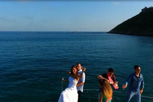 marriage-offer-yacht tour